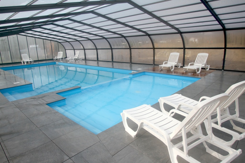 Heated Covered Swimming Pool   3 Star Campsite With Heated Swimming Pool  Near Nantes   Loire Atlantique   Camping La Pindière